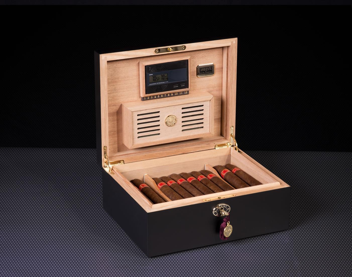 20065-Black-cigar-humidor-daniel-marshall