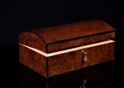 daniel marshall 10085 Treasure chest 2